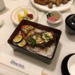 2018年春☆ディズニーランドホテル ルームサービス☆ステーキ丼、おにぎりセット&フライドチキン